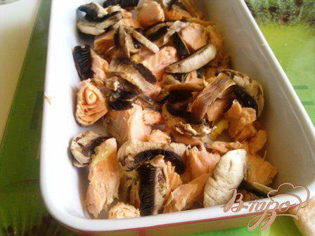 Фото приготовление рецепта: Мидии в сырном соусе шаг №7