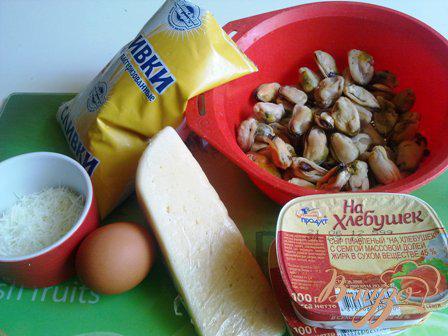 Фото приготовление рецепта: Мидии в сырном соусе шаг №1