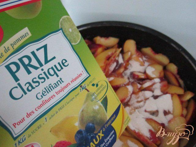 Фото приготовление рецепта: Персиковый конфитюр с пивом шаг №2