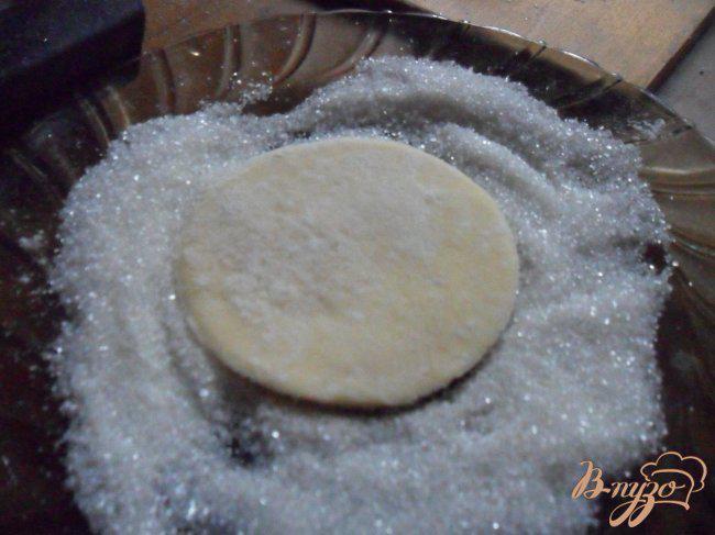 Фото приготовление рецепта: Печенье «Гусиные лапки» шаг №4
