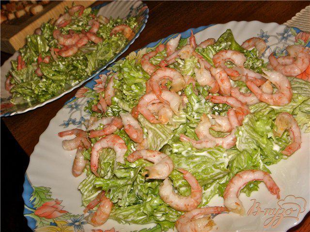 Фото приготовление рецепта: Воздушный салат с креветками шаг №4