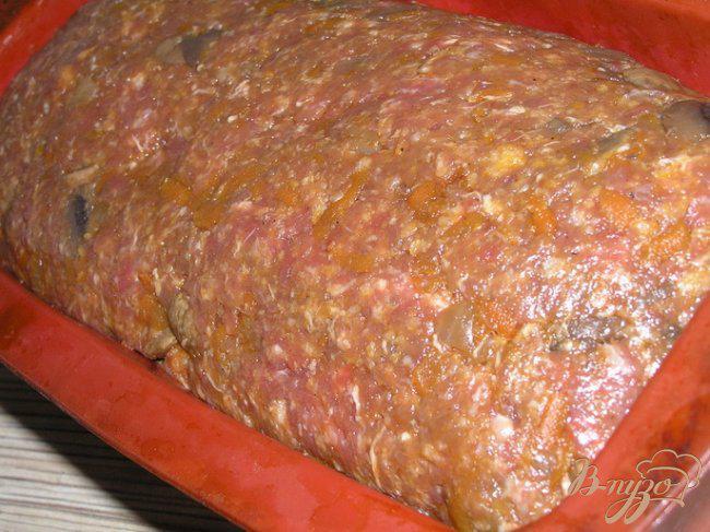 Фото приготовление рецепта: Мясной хлеб с грибами шаг №11