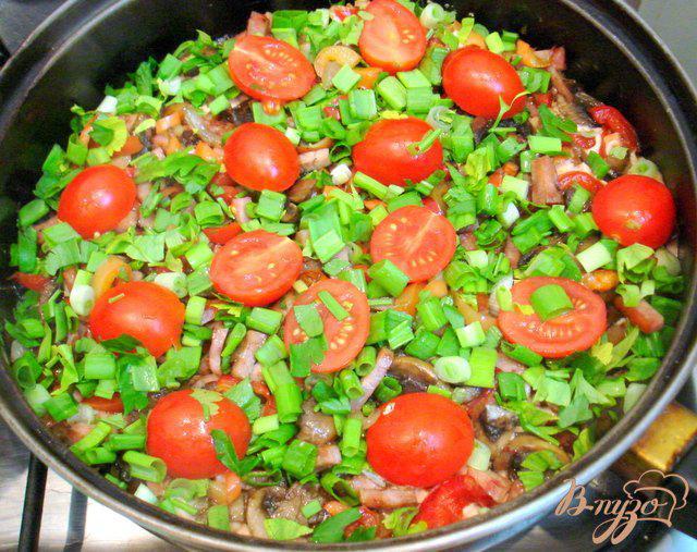 Фото приготовление рецепта: Картофельная *пицца* шаг №7