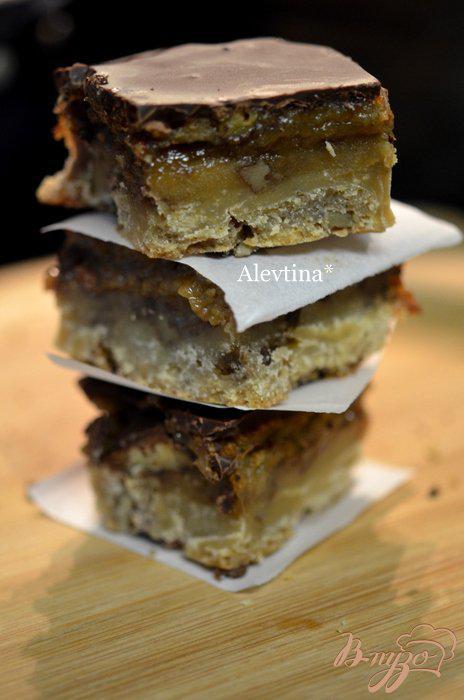 Фото приготовление рецепта: Сэнди пралине десерт с пеканом шаг №7