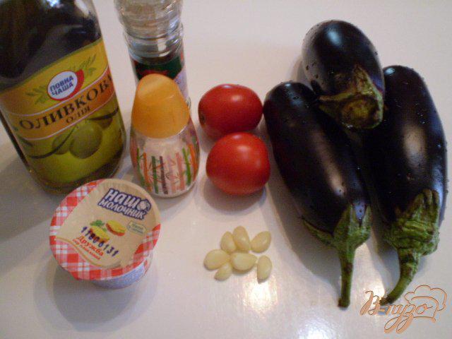 Фото приготовление рецепта: Баклажановые рулетики с сыром и помидором шаг №1