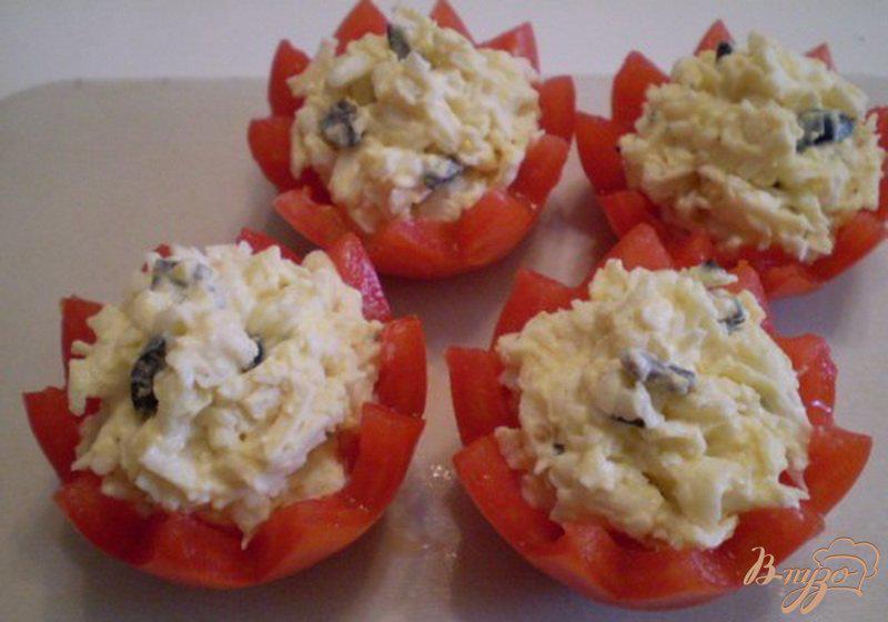 Фото приготовление рецепта: Еврейский салат в помидорных корзинках шаг №4
