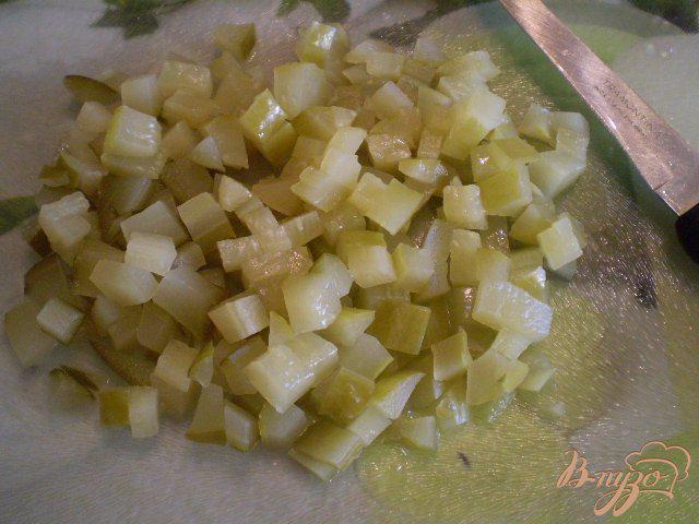 Фото приготовление рецепта: Винегрет с фасолью и горошком шаг №5