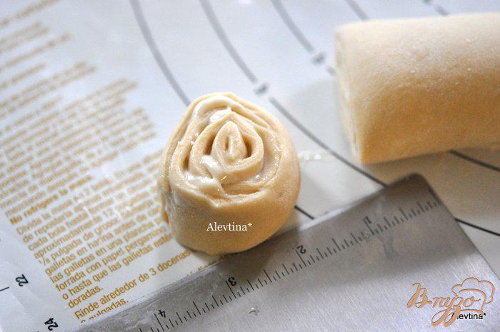 Фото приготовление рецепта: Булочки со сливочным сыром шаг №7