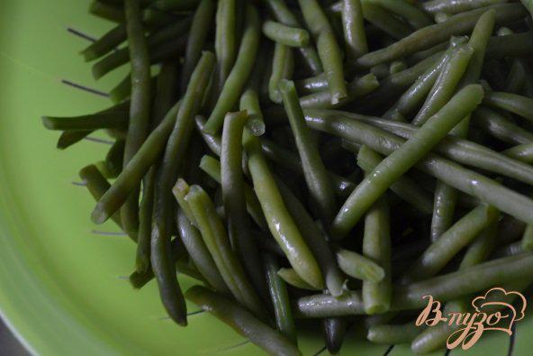Фото приготовление рецепта: Острый салат из зеленой фасоли шаг №1