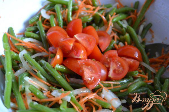 Фото приготовление рецепта: Острый салат из зеленой фасоли шаг №4