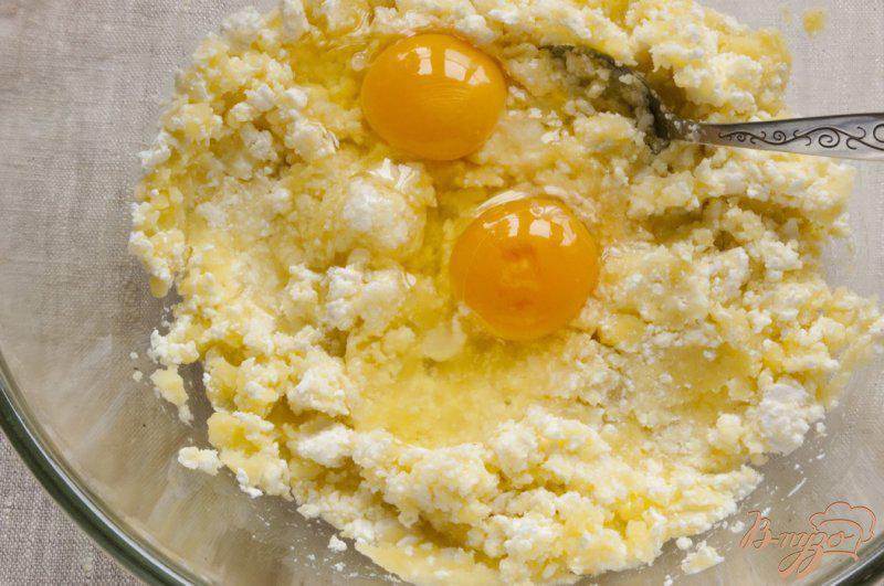 Фото приготовление рецепта: Картофельные сырники шаг №3