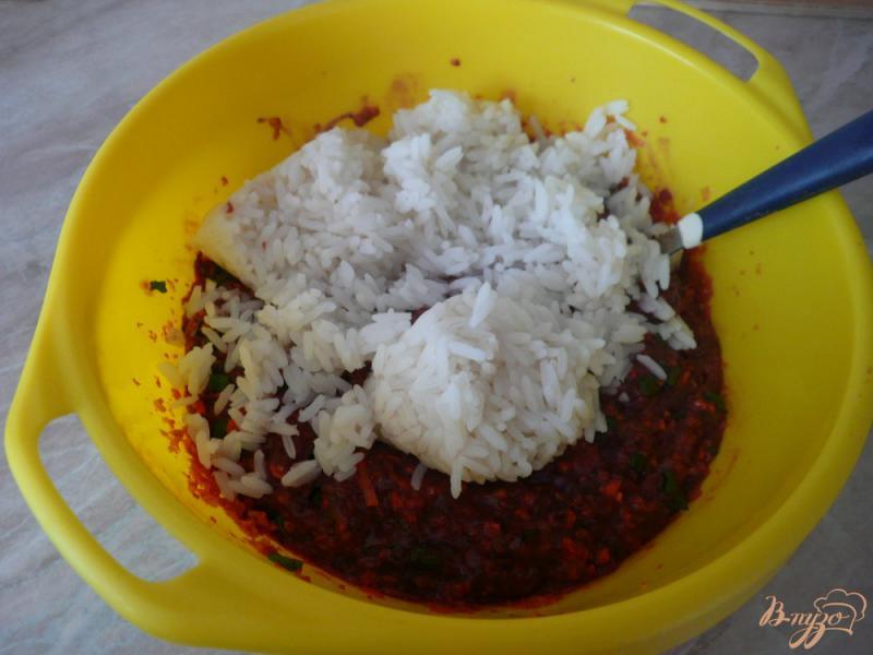 Фото приготовление рецепта: Запеканка из печени с рисом шаг №5