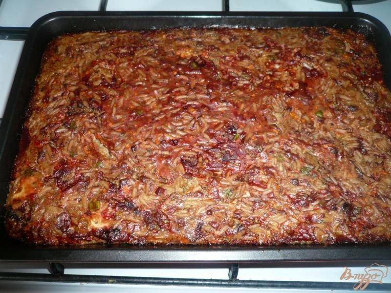 Фото приготовление рецепта: Запеканка из печени с рисом шаг №9