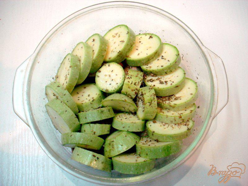 Фото приготовление рецепта: Барабулька с овощами шаг №10