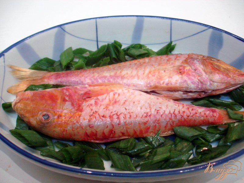 Фото приготовление рецепта: Барабулька с овощами шаг №4