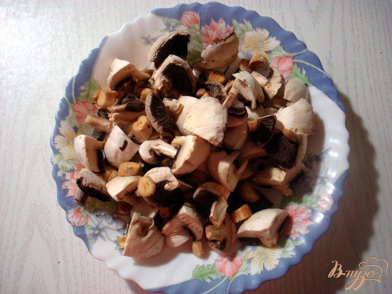 Фото приготовление рецепта: Рагу с грибами и брокколи шаг №1