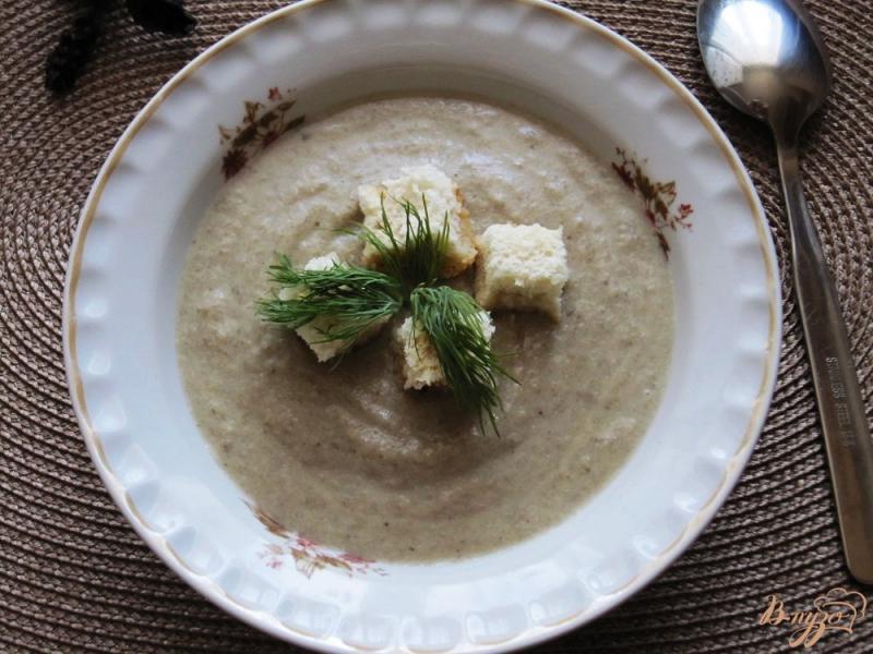 Фото приготовление рецепта: Грибной суп-пюре с гренками шаг №9