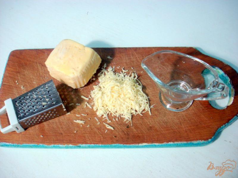 Фото приготовление рецепта: Бутерброды с яйцами пашот и лососем шаг №9