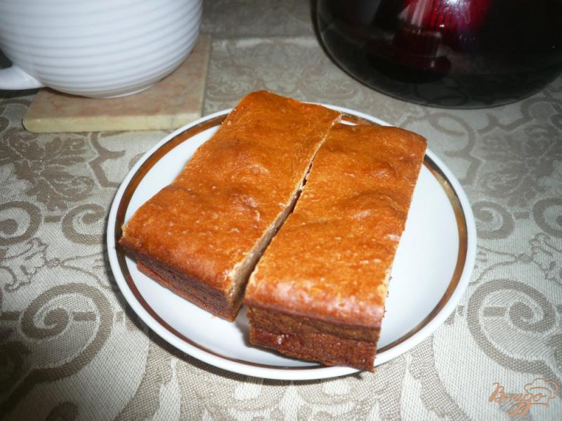 Фото приготовление рецепта: Медовая коврижка на кефире шаг №8