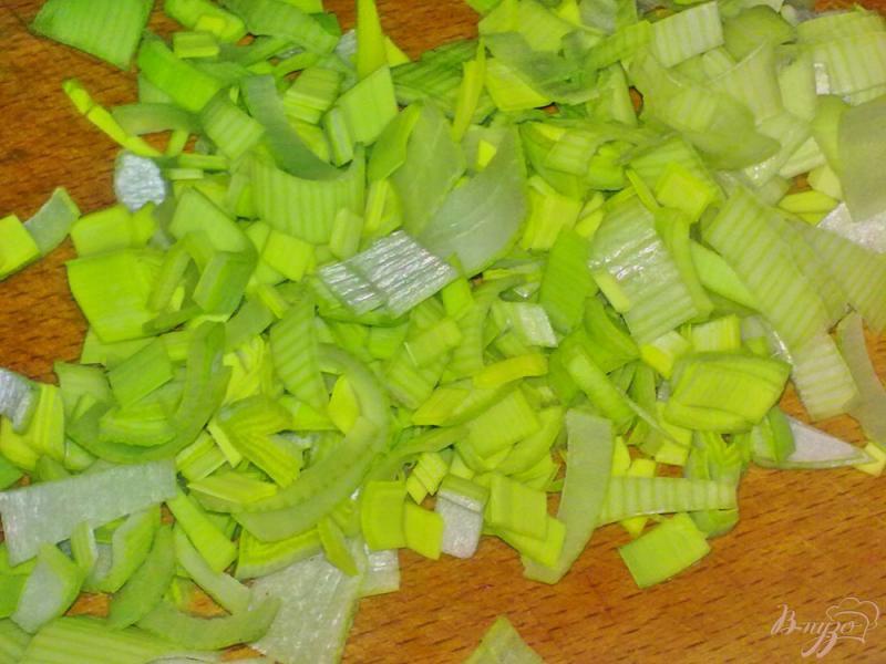 Фото приготовление рецепта: Суп с сырными шариками шаг №3