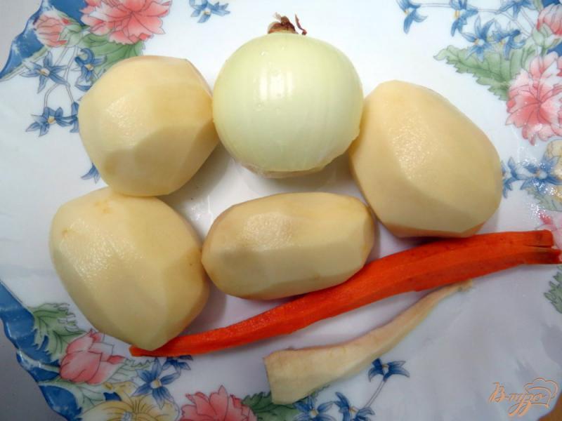 Фото приготовление рецепта: Суп с фрикадельками курино - сырными шаг №4