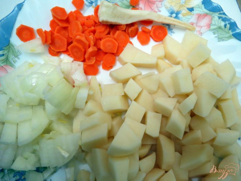 Фото приготовление рецепта: Суп с фрикадельками курино - сырными шаг №5