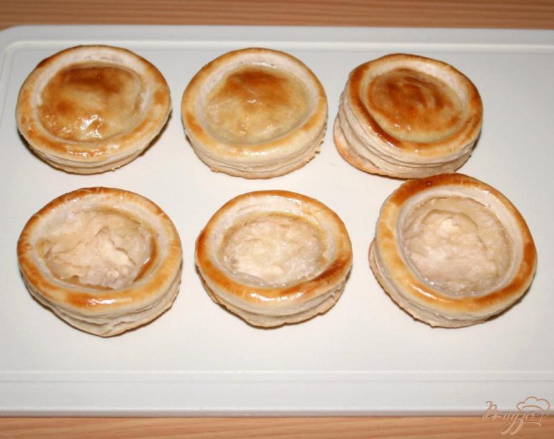 Фото приготовление рецепта: Волованы с мясным салатом шаг №4