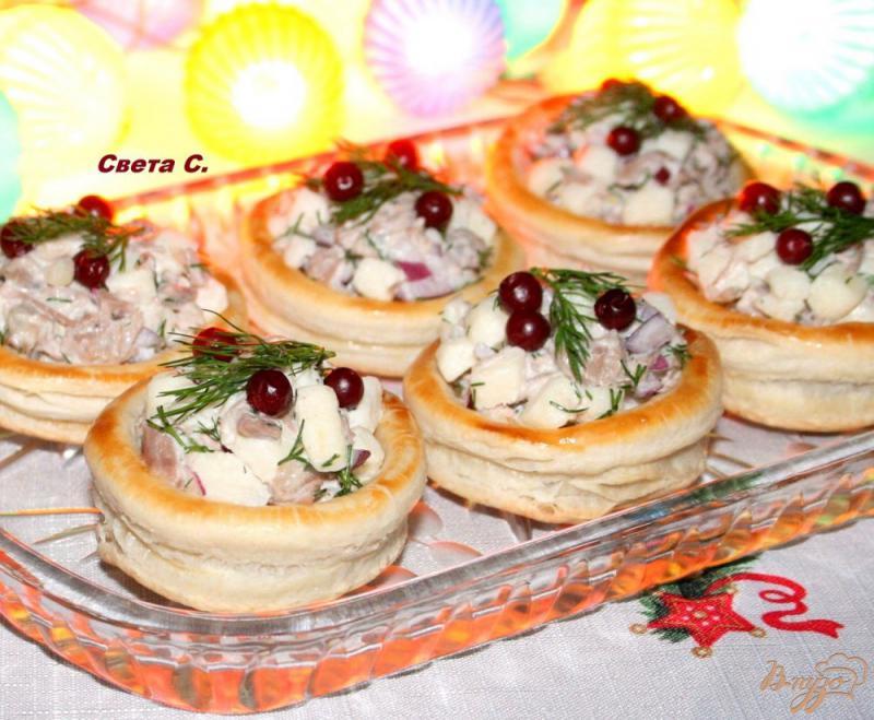 Фото приготовление рецепта: Волованы с мясным салатом шаг №10