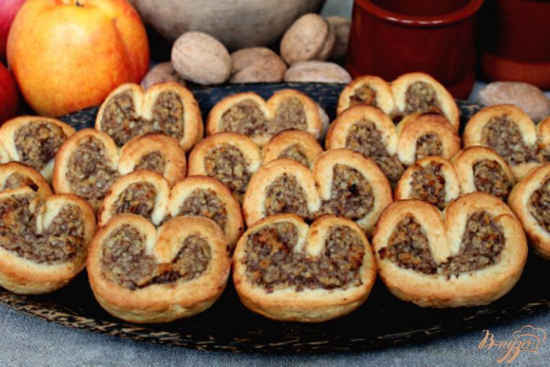 Фото приготовление рецепта: Печенье с яблочным пюре и орехом шаг №8