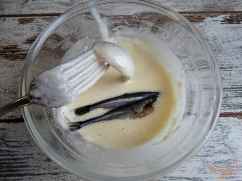 Фото приготовление рецепта: Жареная корюшка по-питерски шаг №5