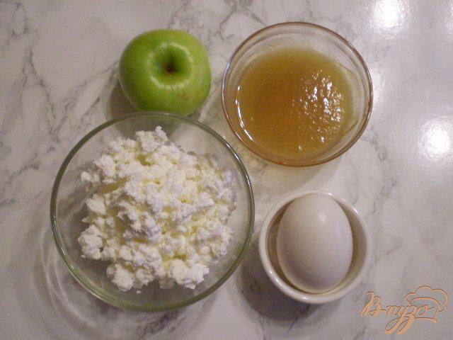 Фото приготовление рецепта: Яблочно-творожное суфле шаг №1