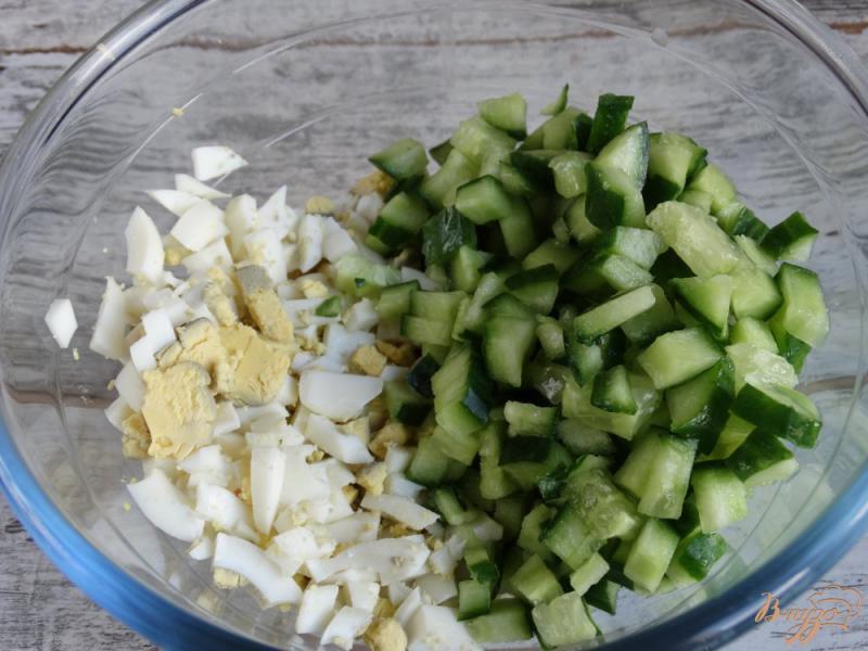 Фото приготовление рецепта: Окрошка Оригинальная на картофельном отваре шаг №4
