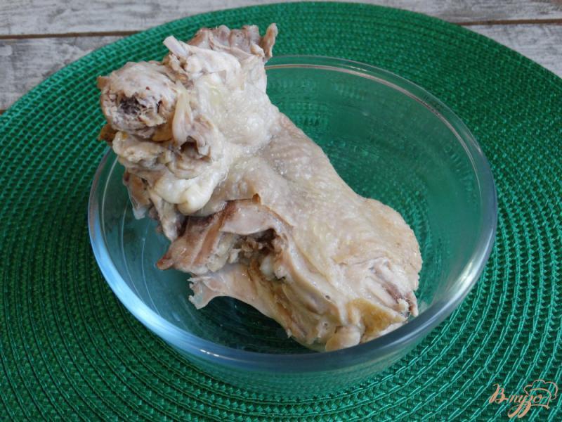 Фото приготовление рецепта: Щи с курицей и красной фасолью шаг №2