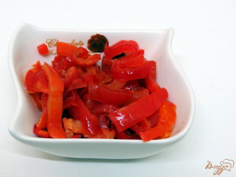 Фото приготовление рецепта: Рисовая лапша с овощами и грибами шаг №5