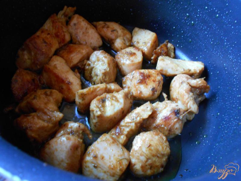 Фото приготовление рецепта: Свинина с рисом и кабачками шаг №2