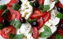 салаты с моцареллой и помидорами рецепт с фото