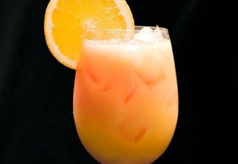 фото рецепта: Апельсиновый крюшон с шампанским