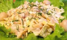 фото рецепта: Салат с грибами, блинчиками и луком