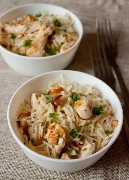 Рецепт Рисовый плов с курицей и миндалем