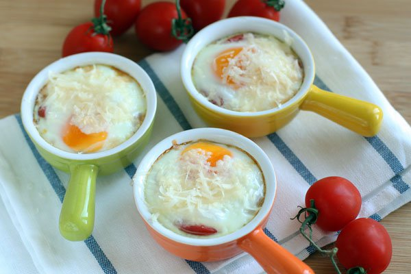 Рецепт Яичница с помидорами в духовке