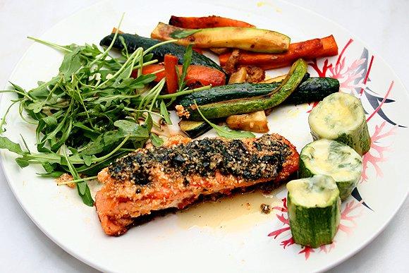фото рецепта: Семга под сыром с овощами