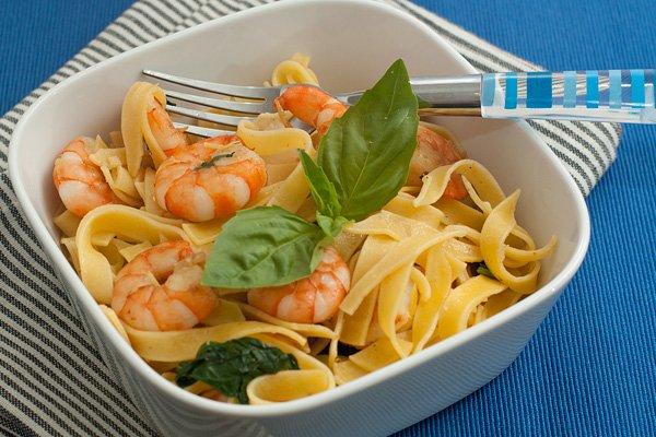 Рецепт Паста с креветками и базиликом