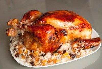 Рецепт Курица, фаршированная рисом и сухофруктами