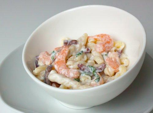 Рецепт Салат с креветками и пастой в греческом стиле