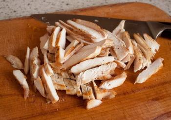 Курица со сладким перцем в булочках