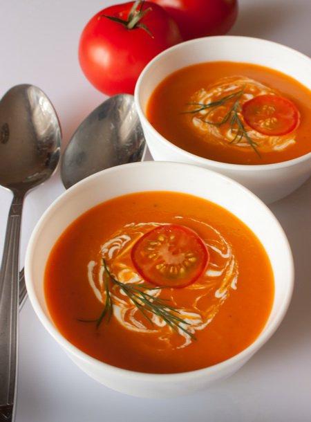 фото рецепта: Холодный томатный суп со специями