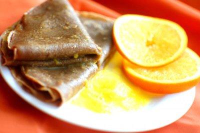 Рецепт Шоколадные блины с апельсиновым соусом