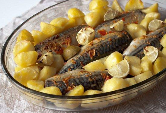 Рецепт Запеченная острая скумбрия с картофелем