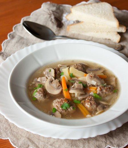 фото рецепта: Грибной суп с фрикадельками