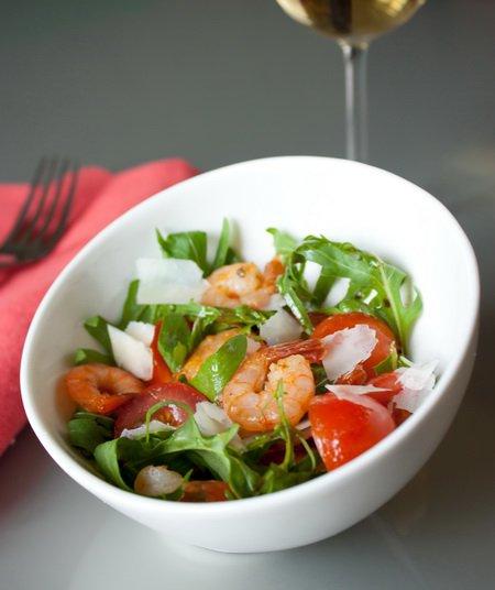 Рецепт Салат с рукколой и креветками